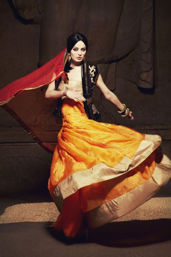 Next Top Model Blog: PoNTM C3: Indian Temple for Vogue India