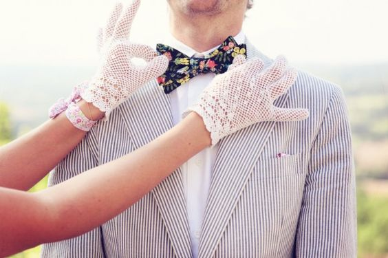 (bow)-tie the knot!