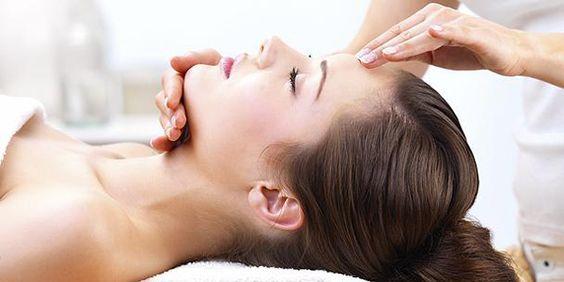 Các cách massage mặt chống lão hóa đơn giản mà bạn nên biết
