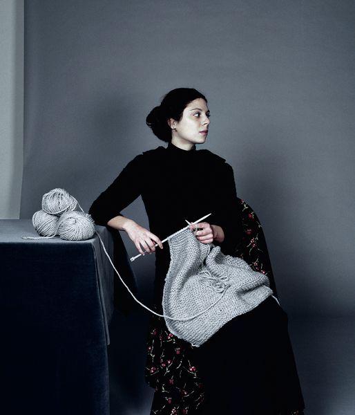 Tricoteuse by Ji Yeon Sung