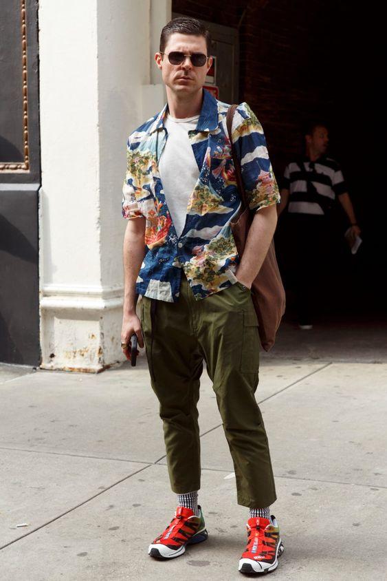 海外メンズ柄シャツコーデWhite Tanks and Undershirts Were a Street Style Favorite at New York Fashion Week: Men's - Fashionista