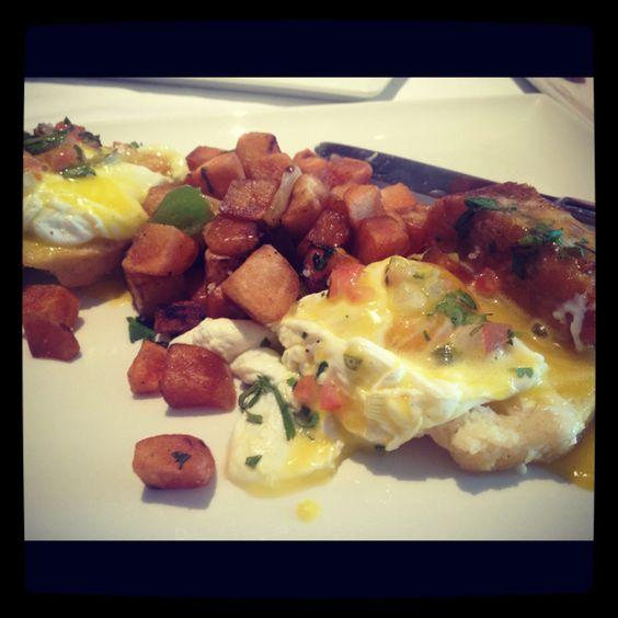 Eggs Benedict at Sustenio