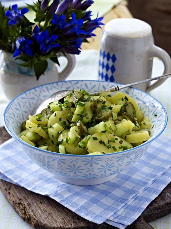 Unser beliebtes Rezept für Lauwarmer Kartoffelsalat und mehr als 55.000 weitere kostenlose Rezepte auf LECKER.de.