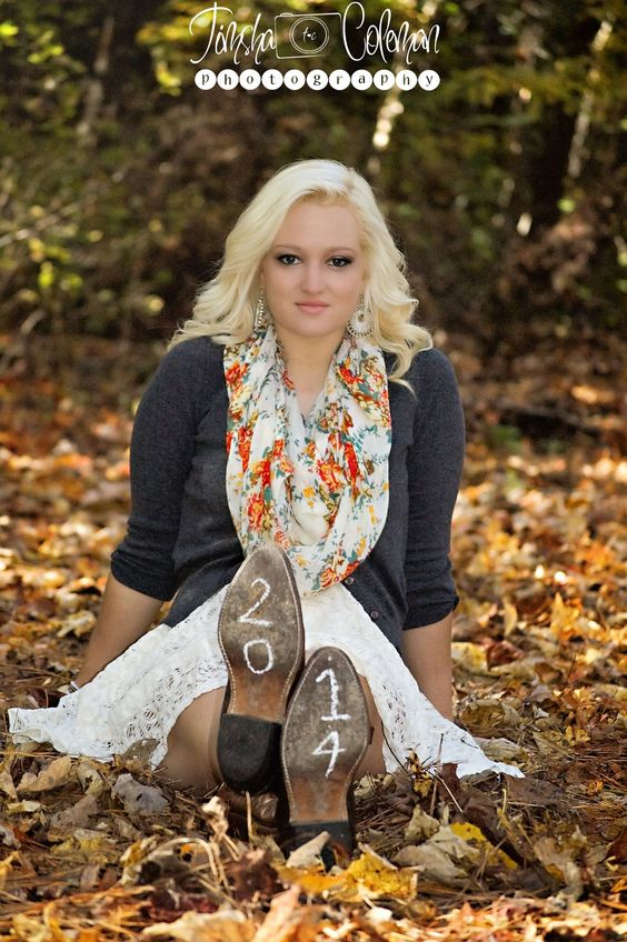40 brilliant senior picture ideas for girls girls pictures and boots - Photography ideas for girl ...