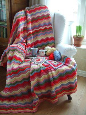 love the colors. so cozy and bright looking