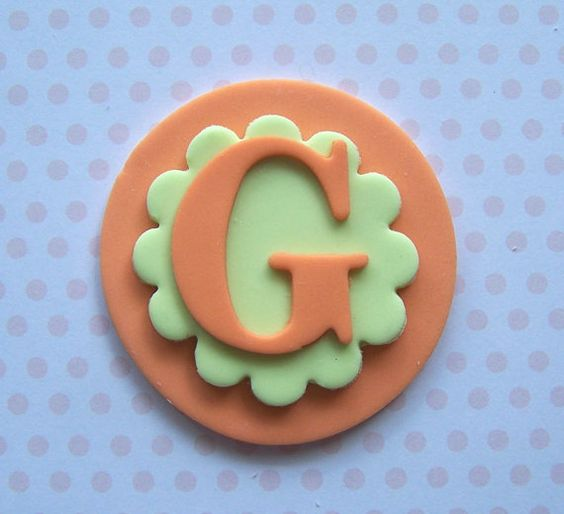 Cake Decoration Letters : Fondant cupcake toppers, Fondant cupcakes and Monogram ...