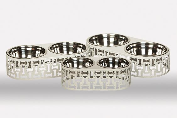 How cute are these doggy dishes?  Simon Double Feeder