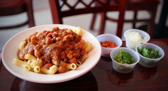 Vegan chili mac