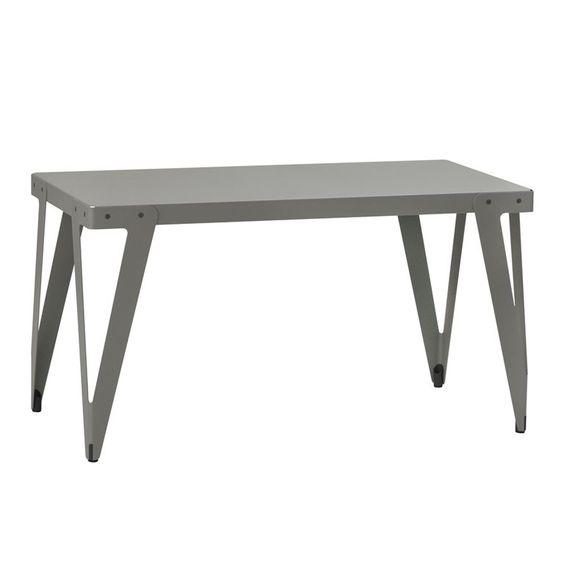 Functionals Lloyd Table ontworpen door Serener. Verkrijgbaar in diverse maten en kleuren