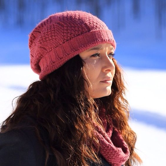Nurgul Yesilcay On Instagram Gunes Hep Yuzunuze Gulsun Gunaydin Knitted Hats Winter Hats Hats