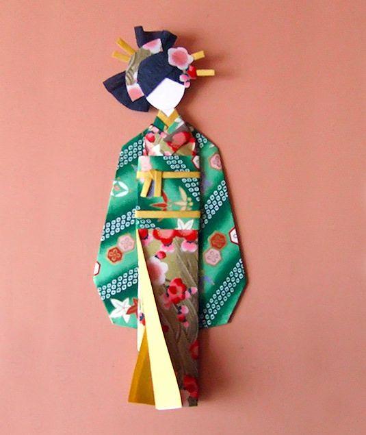 Muñeca de papel chiyogami (washi ningyo)