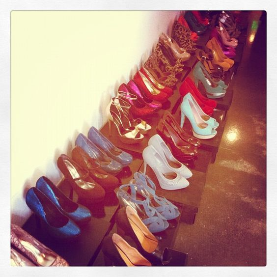 Love shoes. Wish my collection was this big:)