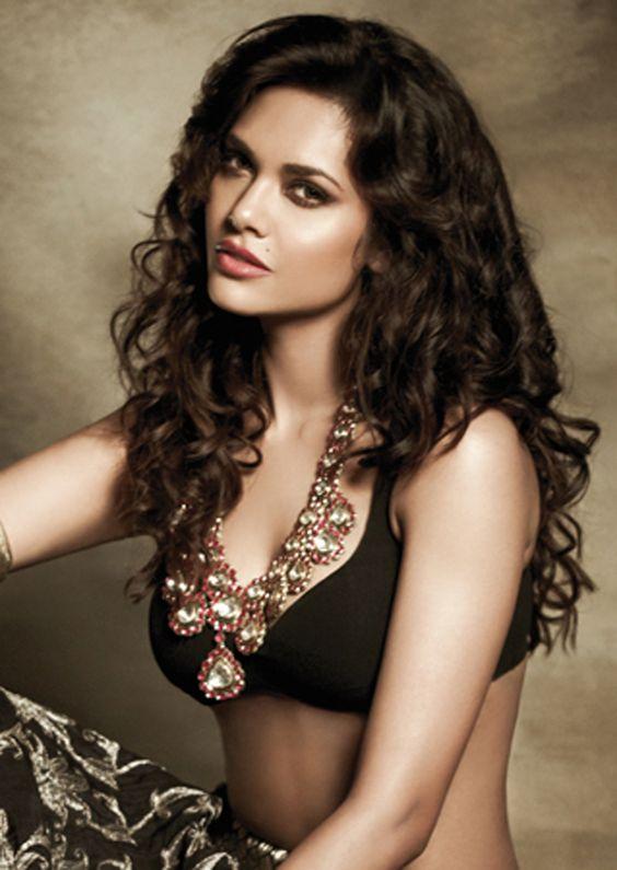 Sexy Esha Gupta: