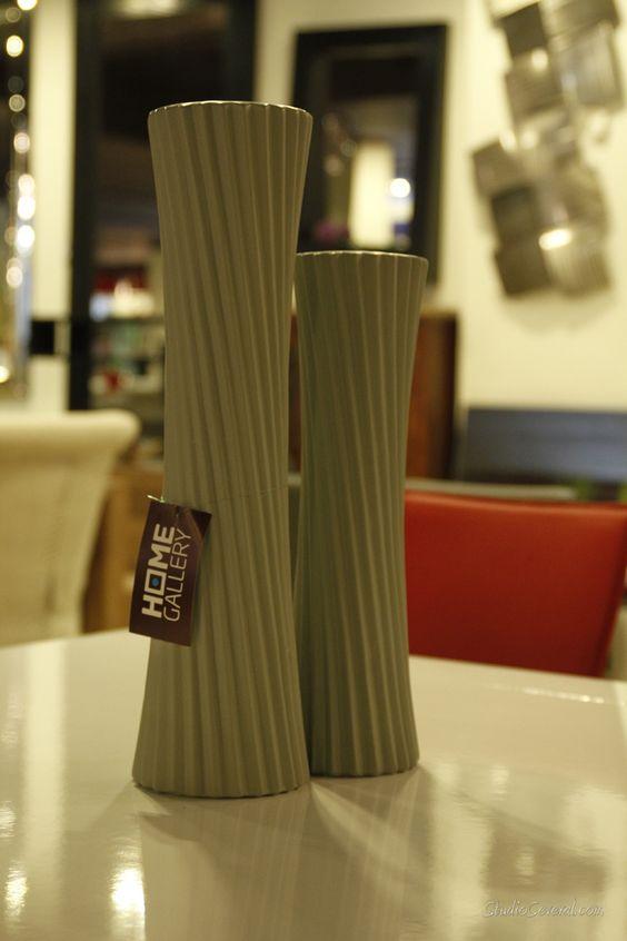 Adornos altos ideales para una mesa de comedor grande - Mesa de comedor grande ...