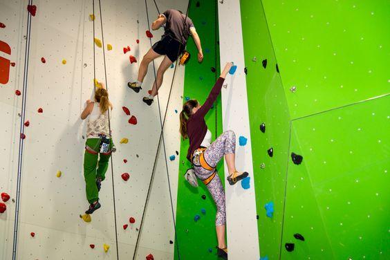 Kletterhalle deLuxe, hier ist für jeden etwas dabei vom Anfänger bis zum Profi, Ausrüstung ist ausleihbar. Tipp: Es empfielt sich ein Kletterkurs! Die Einweisung ist natürlich immer inklusive.