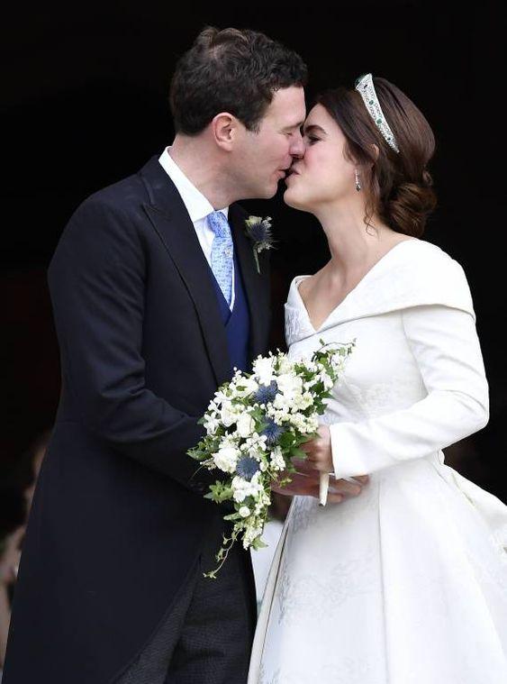 Prinzessin Eugenie Ihr Brautkleid Ist Atemberaubend Prinzessin Eugenie Royale Hochzeiten Brautkleid Prinzessin