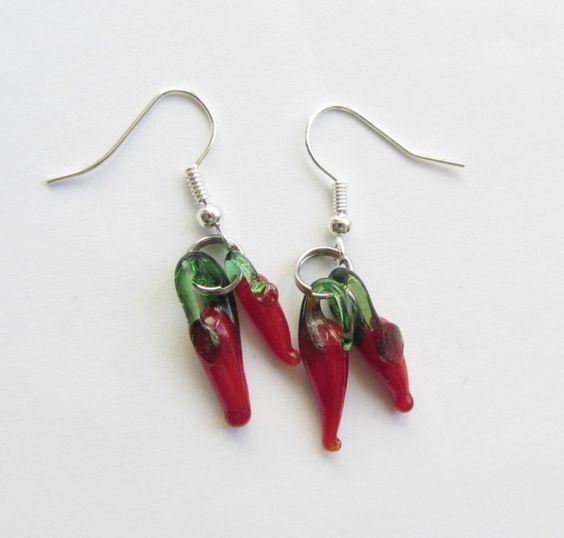 Glasohrringe - Chili/Pepperoni-Ohrhänger - ein Designerstück von soschoen bei DaWanda