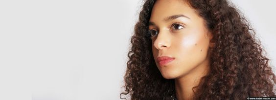 Highlighter : illuminez votre visage !  http://isabel-maxim.com/index.php/maquillage-beaute-femme/13-maquillage/54-highlighter-illuminer-visage