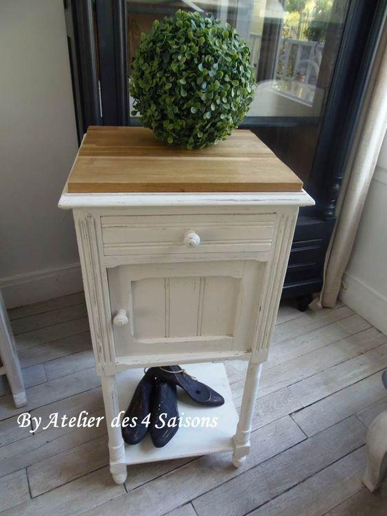 table de chevet ancienne remise au gout du jour avec une patine gris perle finition cir e. Black Bedroom Furniture Sets. Home Design Ideas