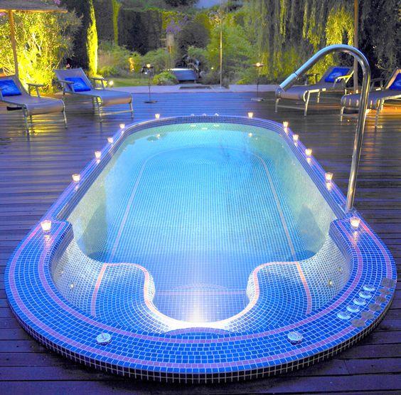 Superbe piscine en emaux de briare pool mosaic for Carreaux de briare