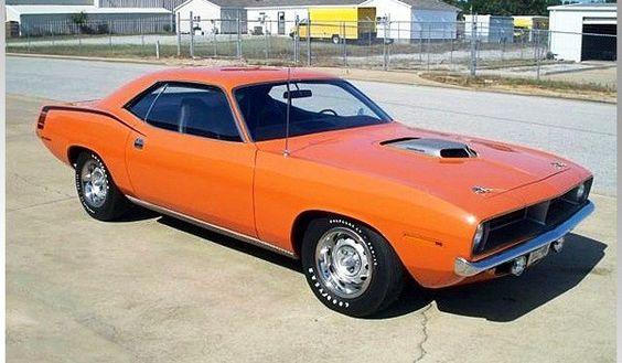 1970 Hemi Barracuda - 426 ci 4 speed