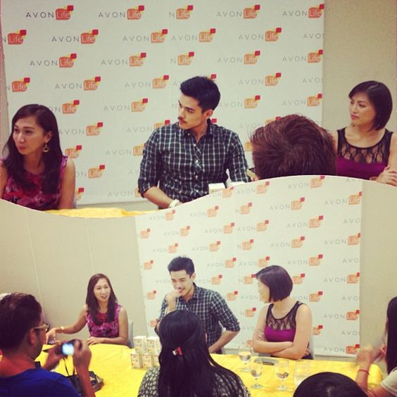 #AvonLife Boost Defense-C endorser @xianlimm charms the #Davao Press at a media round table.