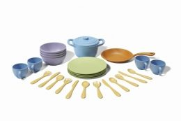 Cookware and Dining Set by Green Toys