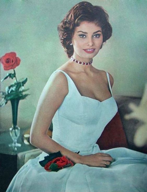 Classic Beauty Icon of Italy: 35 Stunning Color Photos of Sophia Loren in the 1950s and 1960s ~ vintage everyday