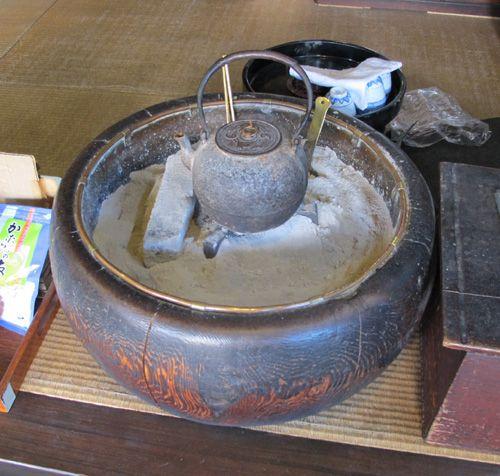japanese hibachi | Hibachi | Japan Blog - Tokyo Osaka Nagoya Kyoto
