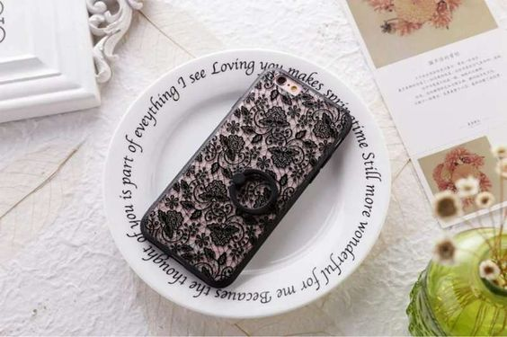 The European Lace Phone Case With Ring Stent