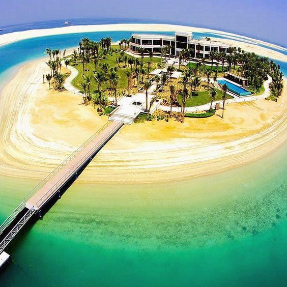 Private Island Beaches: Modern Mega Mansion On A Private Island In Dubai