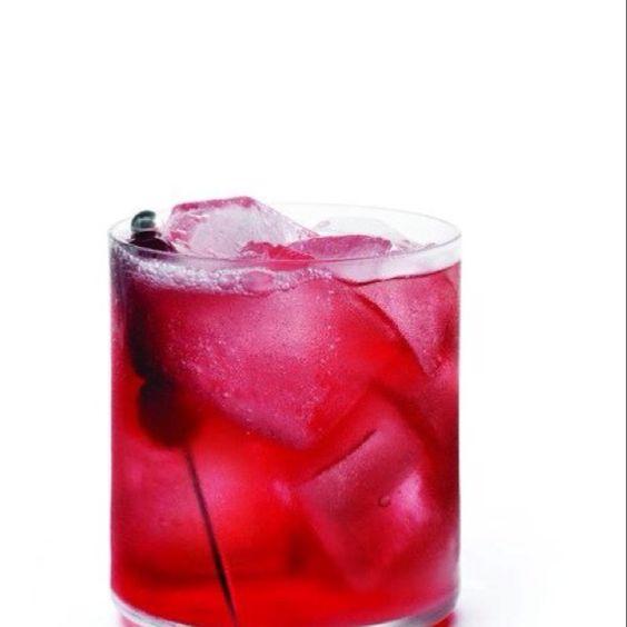 The Nor'easter ((England)) 1 1/2 parts Grey Goose Vodka 1 1/2 parts Club Soda 1 1/2 Cranberry Juice .