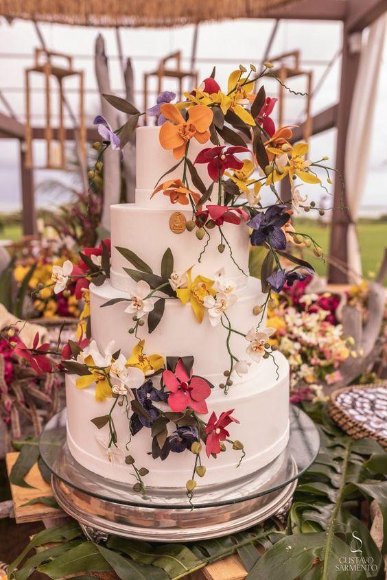 Bolo de casamento. Casamento na praia. Casamento Comunitário em São Miguel dos Milagres