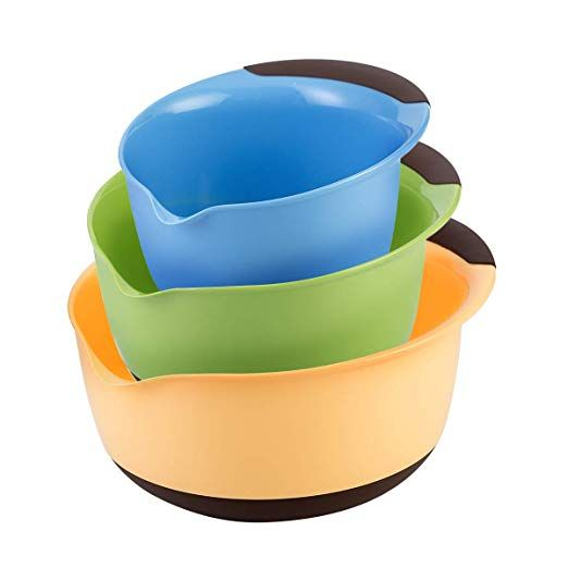 Plastic Mixing Bowl Set Of 3 Serving Bowls With Pour Spouts And Handle Non Skid Rubber Bottom Nest For Easy Storag Plastic Mixing Bowls Mixing Bowls Set Bowl