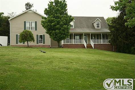 907 Carters Creek Pike Columbia Tn 38401 Zillow Home Inspector Foreclosures Home Loans