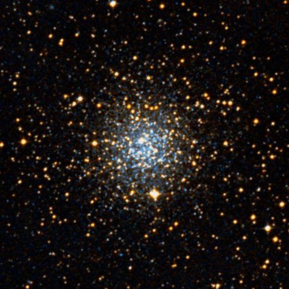 Cúmulo IC 4499 (GCL 30, NPD 171 39). Es un cúmulo globular en la constelación Apus. Descubierto por DeLisle Stewart el 13 de junio de 1901.