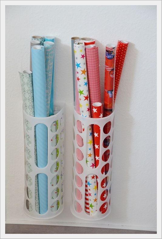 Geschenkpapier ganz einfach aufbewahren mit Ikea Tütensammler - ordnung im küchenschrank