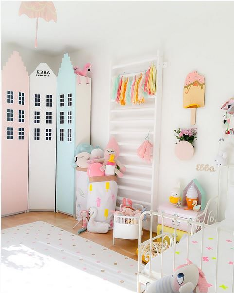 Chambres d 39 enfants pastel and armoires on pinterest for Chambre kawaii