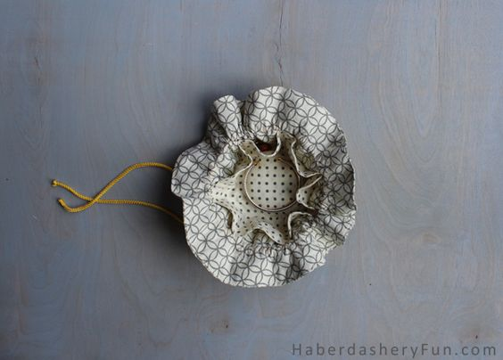 Diy make a drawstring jewelry pouch haberdashery fun for Drawstring jewelry bag pattern