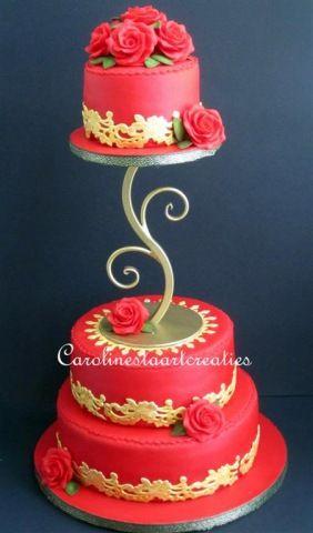 Rode bruidstaart met goud