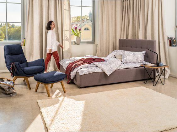 micasa schlafzimmer mit bett dumont schlamm auch in. Black Bedroom Furniture Sets. Home Design Ideas