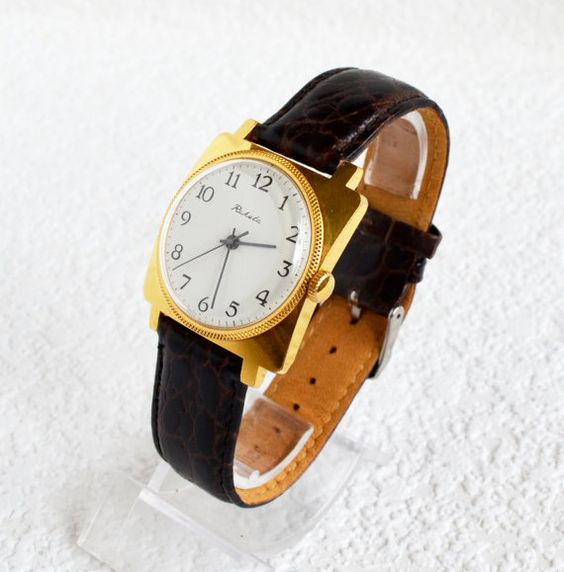 Men's Vintage Square Watch Gold plated 1970s #Raketa #Fathersday #Luxury #Gold #watch #gifthim #Casual #Hipster #Christmasgifts