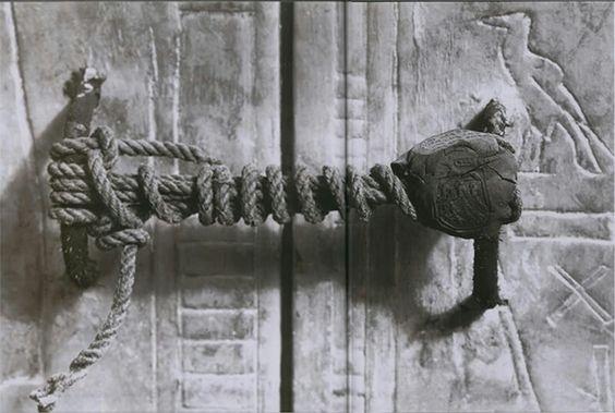 Sello intacto en la tumba de Tutankamon