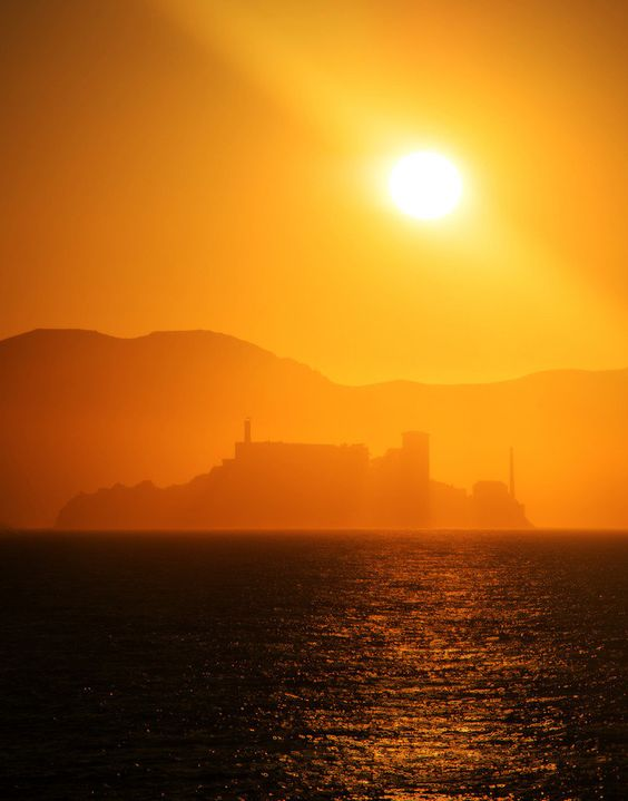 Alcatraz at sunset  from #treyratcliff at www.StuckInCustom... - all images Creative Commons Noncommercial.