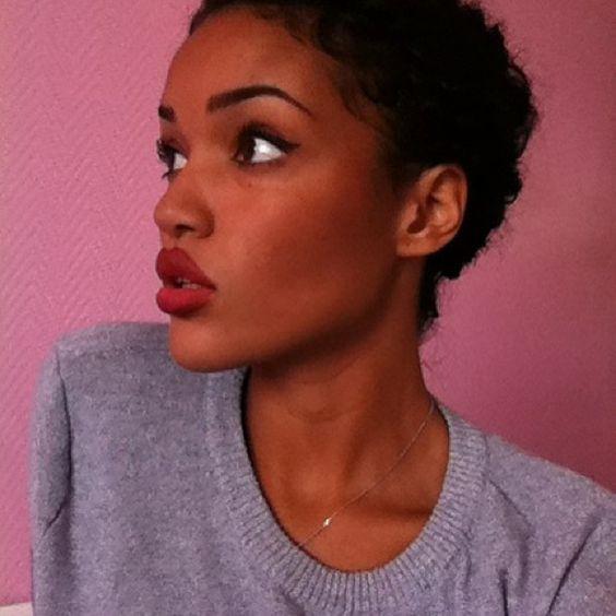 ❓❔ #me #mulata #metisse #mixedgirl #mixedchick #lusciouslips #lavishlips #darkredlipstick #profil #shorthair #haircut #pixie #pixiehaircut #picoftheday #instapic #phuckyofilter #nofilter #iphoneonly