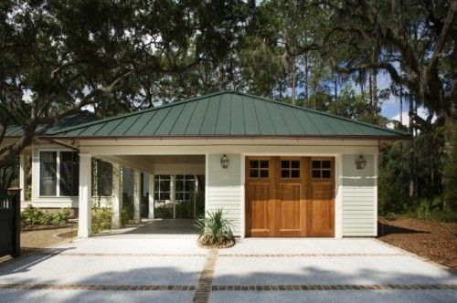 love this garage/carpot combo, with covered walkway to the house