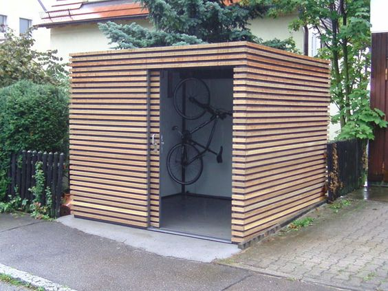 Gerätehaus mit Fahrradaufhängung