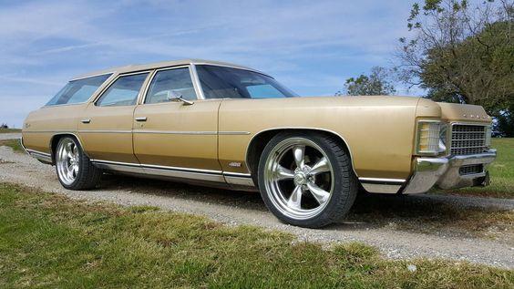 '71 Chevrolet Impala Kingswood Station Wagon