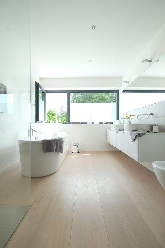Zwei Waschbecken