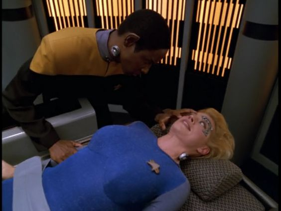 "Star Trek: Voyager 4 X 7 ""Infinite Regress"""